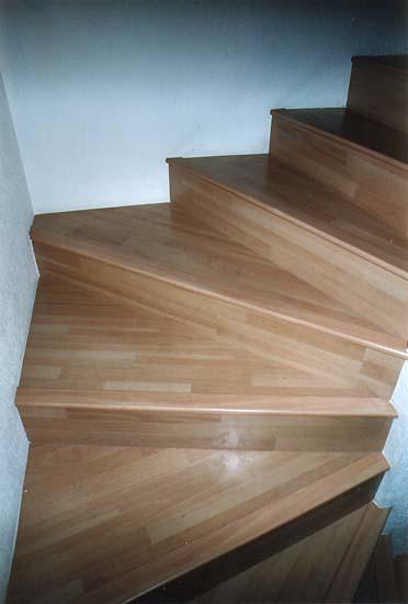 Escaliers en bois  Yvan Crottaz menuisier ébéniste à  ~ Moulure Escalier Bois
